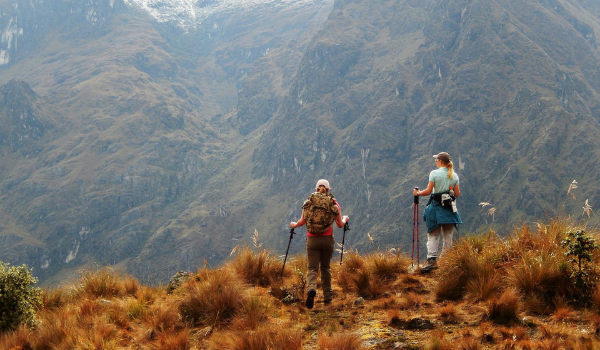 two women hiking in the mountains